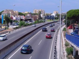 Doña Lola Bus Stop on the A7 highway between Fuengirola and Marbella. The cars on the right are heading towards Marbella.