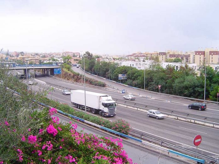 Bus stops between Marbella and Fuengirola showing exit from A7 to the Marbella bus station