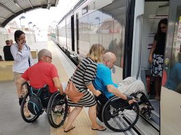 Wheelchair access at Los Boliches Train Stop