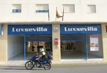 Front enttrance to Luxsevilla self catering apartments